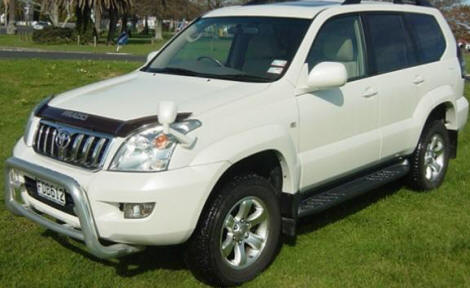 luxury car hire nairobi kenay, hire toyota prado, alphard, mercedes, limousines