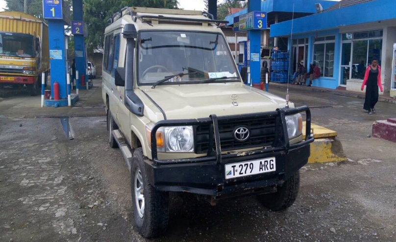 4x4 car hire dar es salaam airport , tanzania hire safari landcruiser,services, hire  safari land cruiser, car hire nairobi, kenya,nairobi,rent, hire,rental